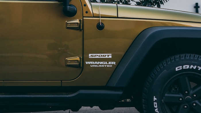 How to Clean Jeep Plastic Fenders